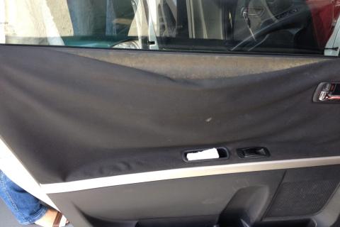 arreglar tapiceria puerta coche Barcelona